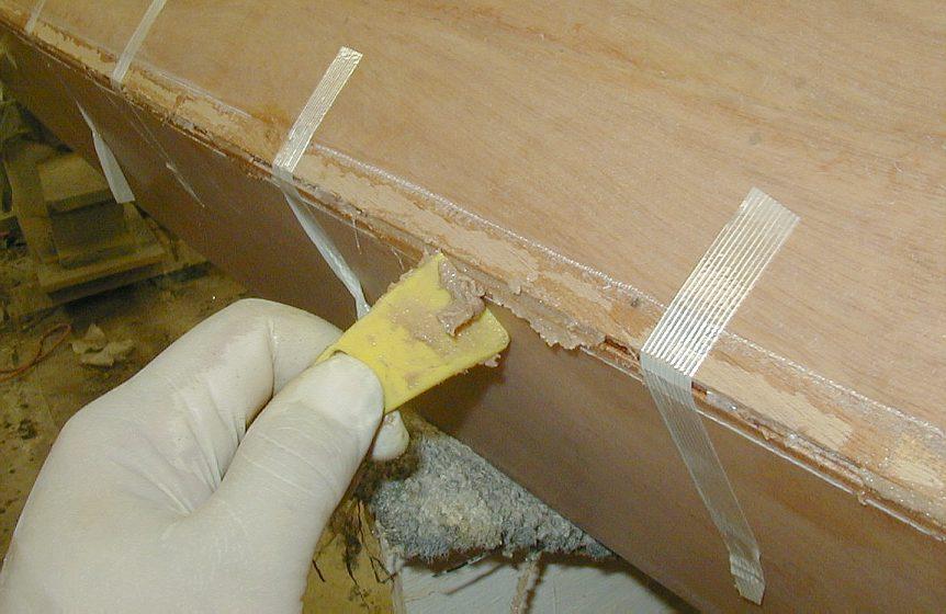 Bonding hull and deck on a Stitch & Glue kayak